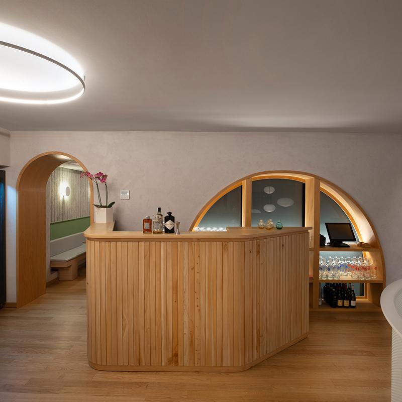 Miyabi_Japanese_restaurant_Arch_Davide_Beretta_Studio_13 cypress wood counter
