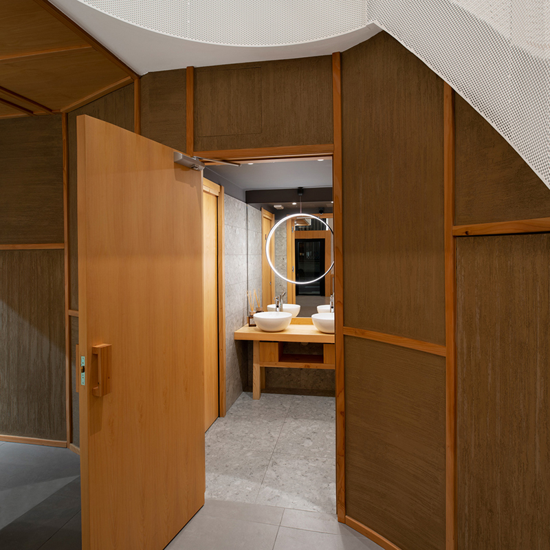 Miyabi_Japanese_restaurant_Arch_Davide_Beretta_Studio_8 japanese wood bathroom