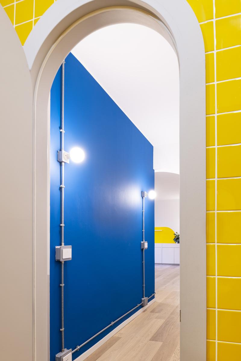 BLU GIALLO blu yellow tiles bathroom