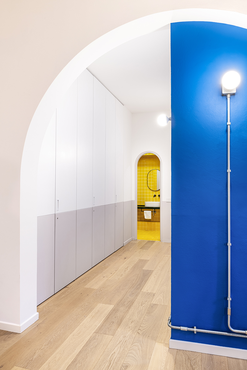 arch blu blu arch yellow bathroom bagno giallo